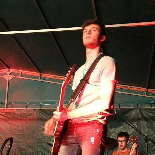 hat-trick-rock-band-live-band-a-bergamo-andrea-telini-chitarra-solista